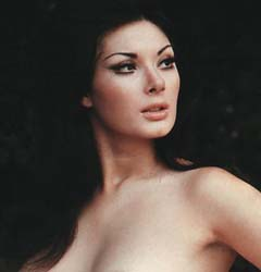 Have I mentioned lately you can never have too much Edwige Fenech?