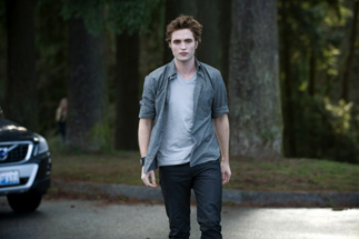 I wish Edward would stalk the heck out of me.