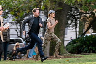 At least Tom Cruise has finally found a running buddy.